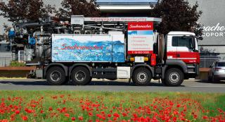 Abfluss- und Rohrreinigungs LKW
