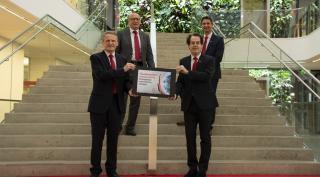 Robert Maierhofer, Hans Roth, Gerhard Ziehenberger und Ralf Mittermayr freuen sich über die GRESB Urkunde.