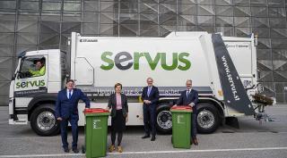 Vollelektrischer Müllpresswagen im Test bei SERVUS